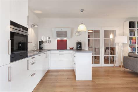 badezimmer aufbewahrung offene küche in skandinavischem stil skandinavisch