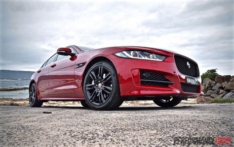 jaguar xe  sport  review video performancedrive