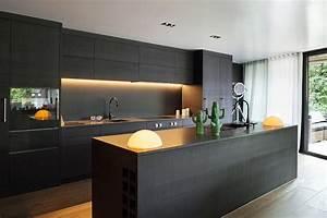 Kuchyně — Nábytek Delfi, nábytek s vysokým IQ