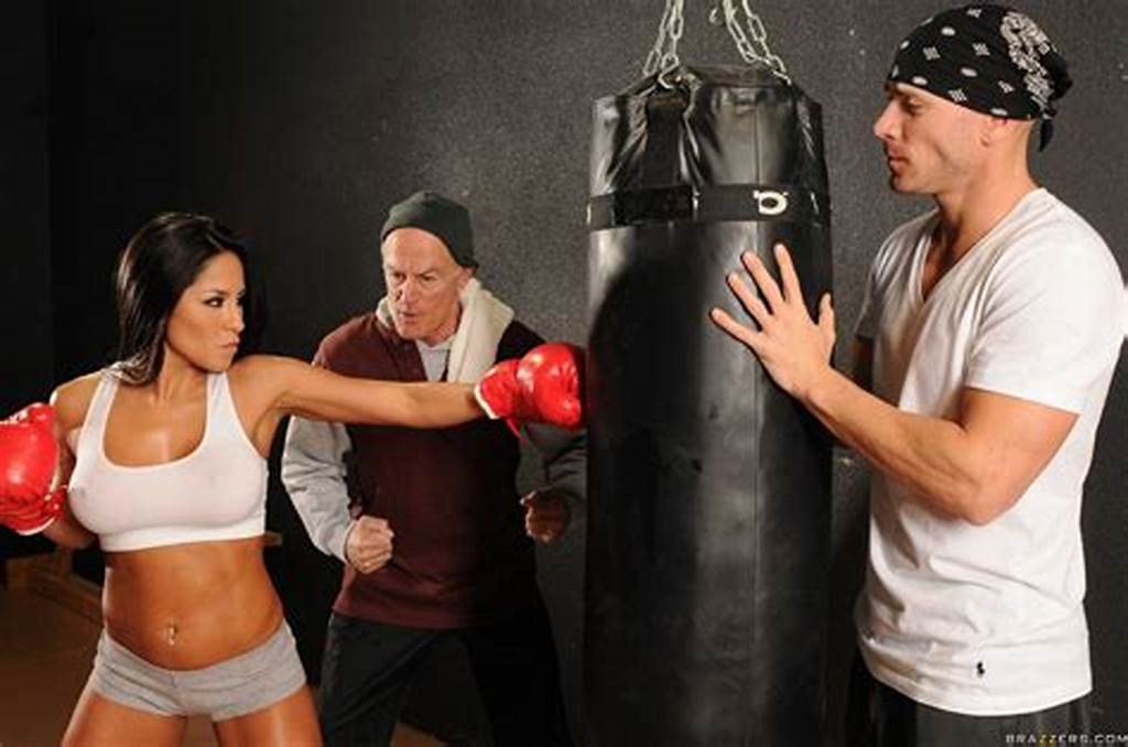 #Sexy #Boxer #Jenaveve #Jolie #Gets #Fucked #By #Muscular #Guy