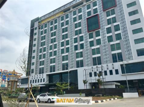 Nagoya Hill Hotel Batam Package With Ferry & Optional Tour