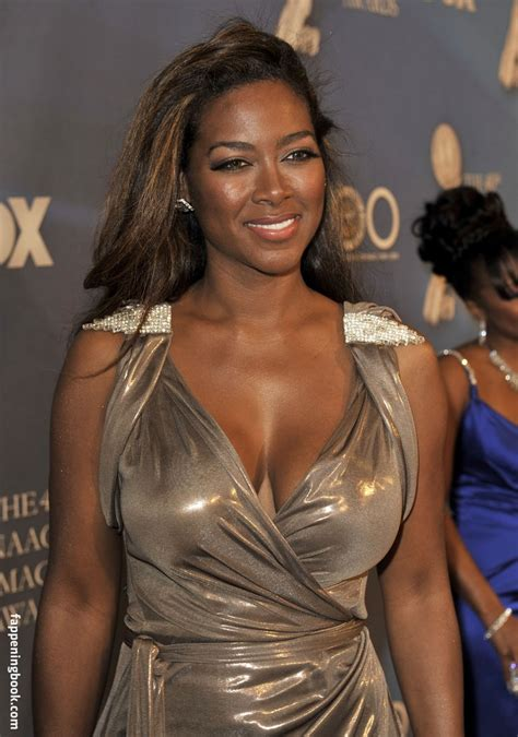 Kenya Moore Nude Sexy The Fappening Uncensored Photo FappeningBook
