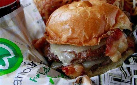 wahlburgers burger thrillist nyc wahlberg burgers mark