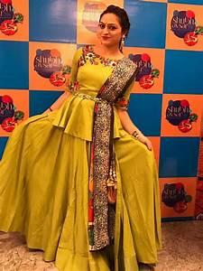 Contrast Bridal Lehenga Designs Chaniya Choli Choli Designs Indian Gowns Dresses