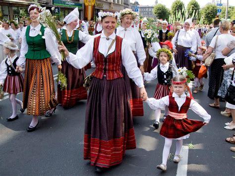 folklore und traditionen latviancultureswitzerlands