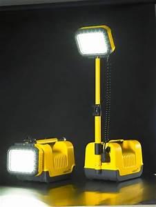Portable led flood light lighting