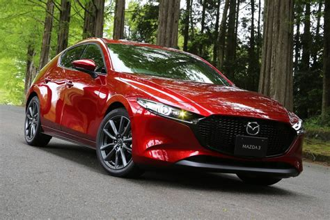 The mazda3 (known as the mazda axela in japan (first three generations), a combination of accelerate and excellent) is a compact car manufactured in japan by mazda. マツダ 新型「MAZDA3」に試乗!ディーゼルとガソリンはどっちがいい!? - 価格.comマガジン