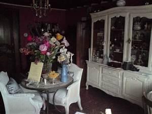 Petit Buffet Salon : buffet vitrine de salon en merisier photo de petit mobilier revisit nourspassion ~ Teatrodelosmanantiales.com Idées de Décoration