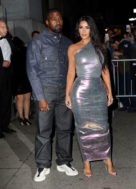 Kim Kardashian meets Khloe and Scott Disick to film KUWTK ...
