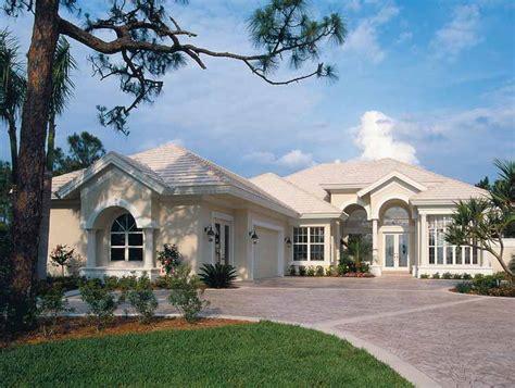Florida Style House Plans #1747