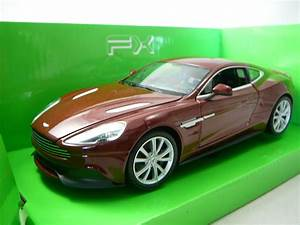 Aston Martin Miniature : aston martin vanquish miniature 1 24 welly wel 24046 freeway01 voitures miniatures de ~ Melissatoandfro.com Idées de Décoration