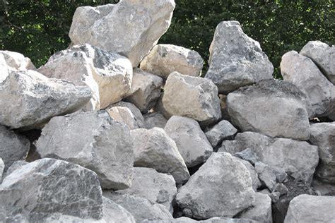Bruchsteine & Wuhrsteine Für Den Landschaftsbau Aus Der