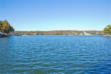 Fishing Boat Rentals Lake Of The Ozarks by Vacation Rentals At Lake Of The Ozarks Nantucket Bay