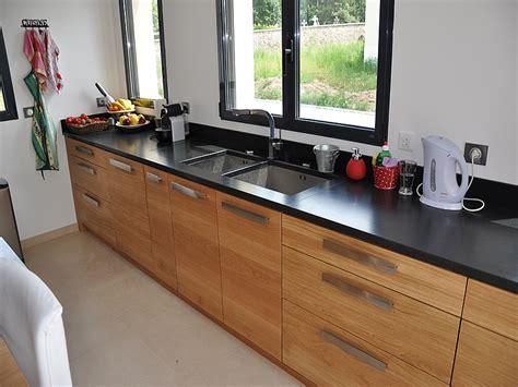 hauteur id饌le plan de travail cuisine granits déco plan de travail en granit noir finition effet cuir