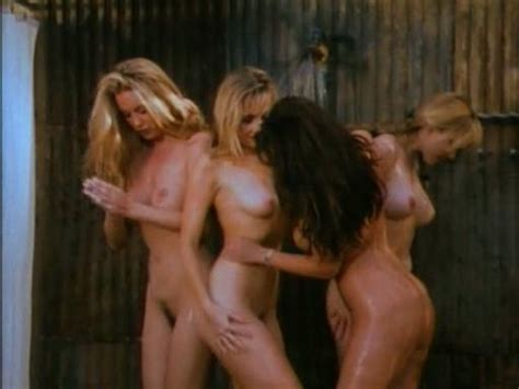 Ashlie Rhey Nue Dans Bikini Hoe Down