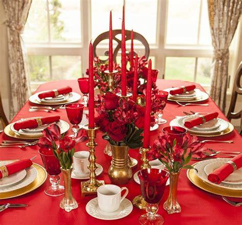 deco table noel   rouge idee de luminaire  lampe