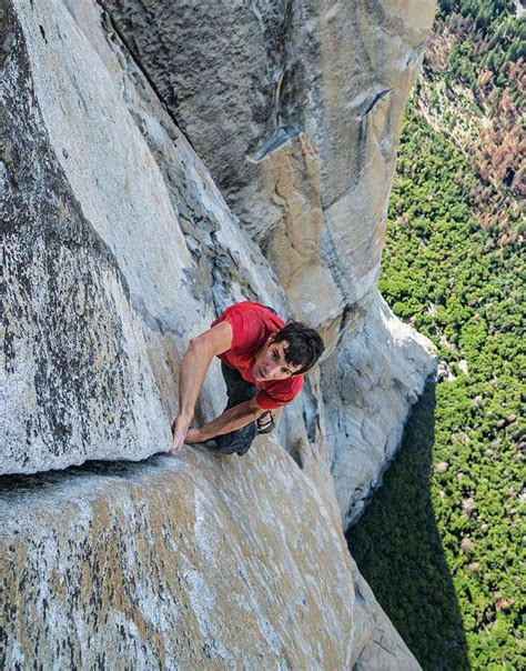 Free Climber Scales Yosemite Scariest Peak Without Any
