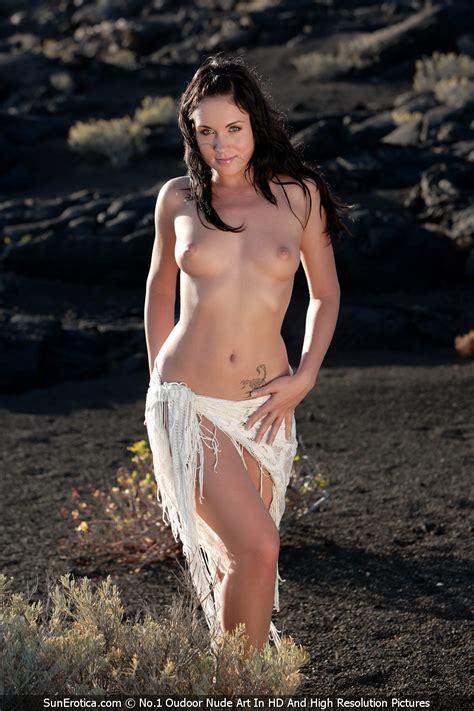Denise Nude Outdoors By Sun Erotica Erotic Beauties