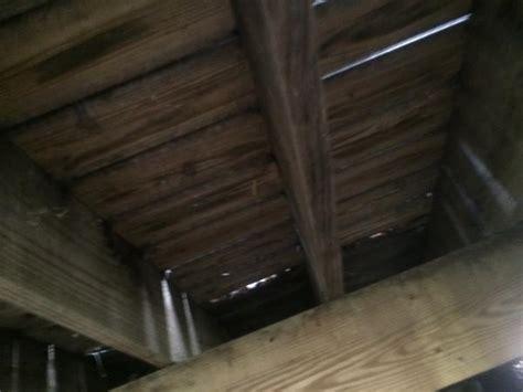 insulating  floor  enclosed deck