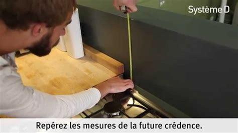 fixer une crédence alu inox dans la cuisine