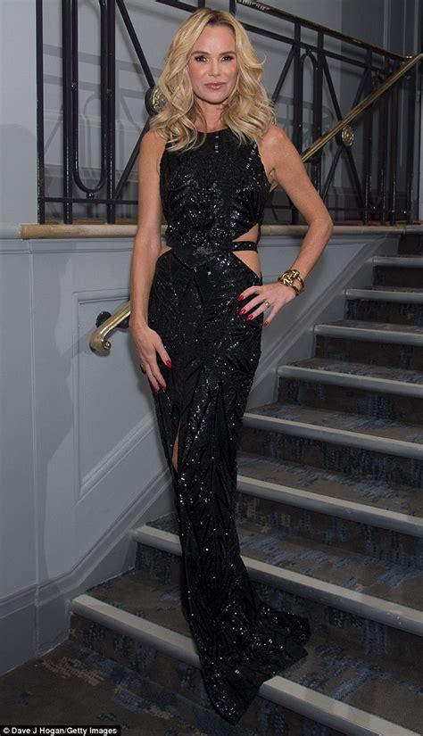 amanda holden dons  sexy cut  black dress  animal hero awards  london daily mail