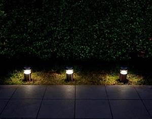 Lumiere Jardin Solaire : lampe de jardin solaire ~ Premium-room.com Idées de Décoration