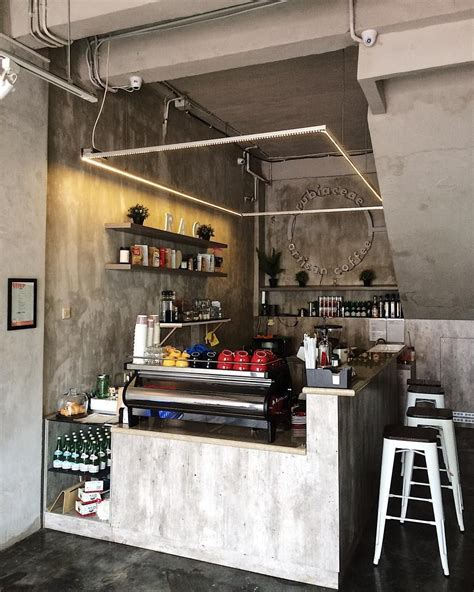Some customers may even choose it because they'll equate the small size and. We have really assembled lots of great ideas for establishing a coffee shop in your home. These ...