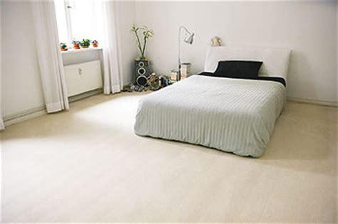 Schlafzimmer Mit Teppichboden by Fu 223 Bodenbel 228 Ge So Schaffen Sie Gute Grundlagen