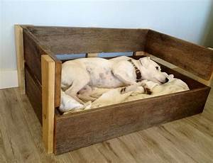 Berkeley raised wooden dog bed extra large dog beds for Dog beds with frame and mattress