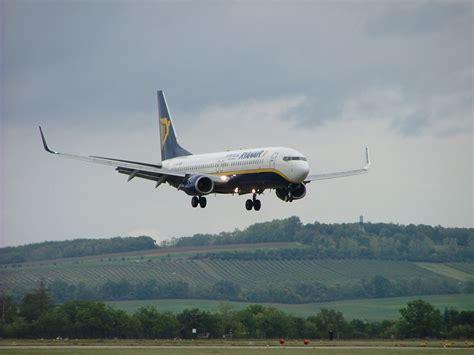 range of boeing 737 800 boeing 737 800