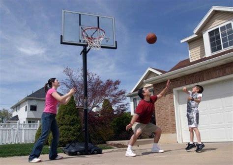 portable basketball hoop store lifetime spalding hoops