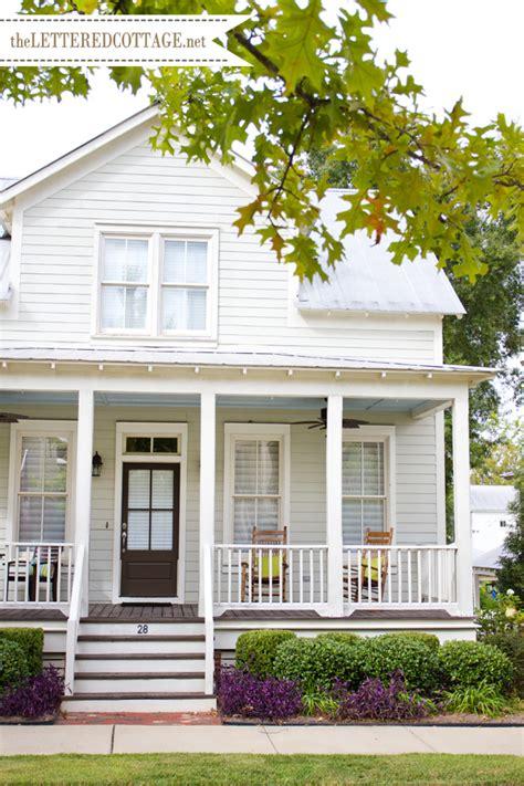 farmhouse exterior colors on farmhouse paint