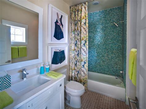 bathroom wall decoration  color ideas