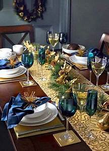 1000 images about Christmas Centerpieces & Tablescapes on