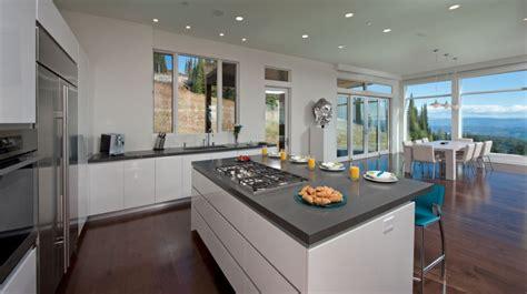 comptoir pour cuisine comptoir de cuisine granite au sommet