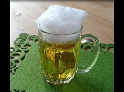 originelle verpackung fuer ein geldgeschenk bierglas mit