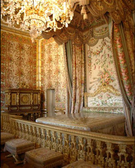 chambre de la reine versailles passage secret dérobée dans la chambre de la reine à