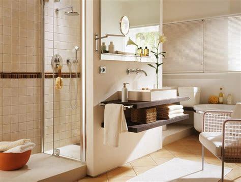 Großes Badezimmer Wird Wohnlich
