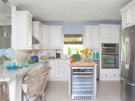 kitchen design for cooks a cook s kitchen with coastal design hgtv 4429