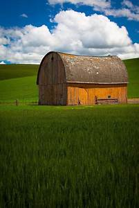 old barn building in the agricultural palouse area of With barn builders washington state