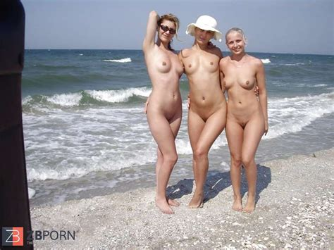 Trio Nude Cousins Displaying In The River Beach Zb Porn