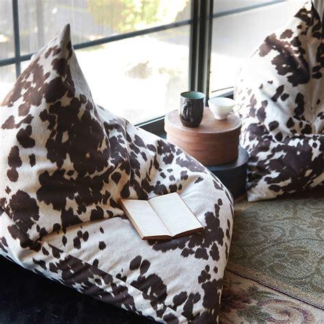 Cowhide Bean Bag by Cowhide Floor Cushion Tutorial This Floor Pouf Is