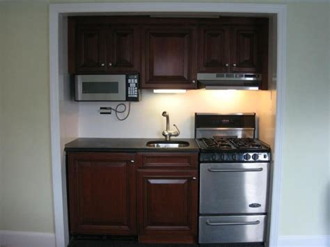 Ideas For Small Apartment Kitchens - 17 best images about basement kitchen ideas on pinterest renovated kitchen small sink and