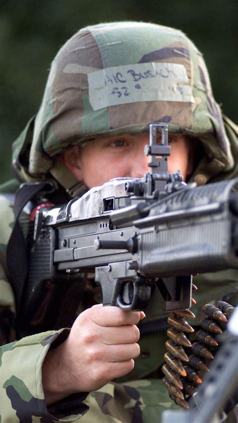 wallpaper  soldier machine gun military