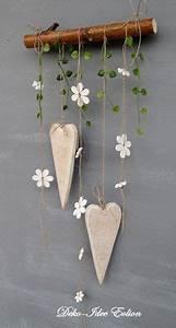Blumen Basteln Fensterdeko : einfache aber s sse diy dekoration herzen und blumen an holzast aufh ngen diy dekoration ~ Markanthonyermac.com Haus und Dekorationen