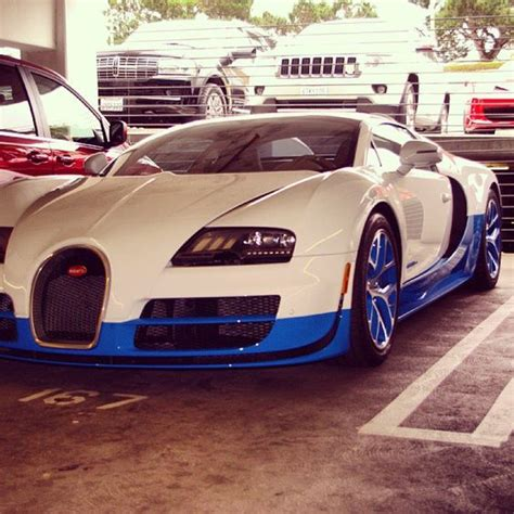 Bugatti Veyron Blue And White by Really Cool Blue And White Two Toned Bugatti Veyron