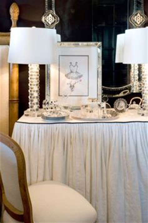 Bedroom Table Skirts by 1000 Images About Skirt Table On Skirted