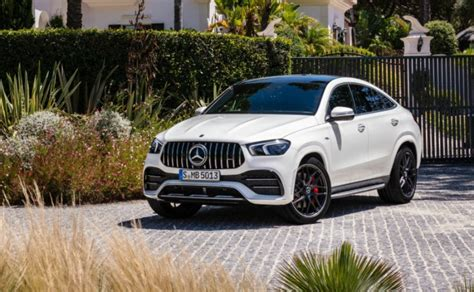 Much like all other luxury offering, this one will also be fitted with a host of appealing elements from fascia to the rear portion. 2020 Mercedes-AMG GLE 53 Coupe Launched In India; Priced ...