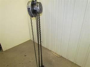 Cm Cyclone Model M 1 Ton Manual Chain Fall Hoist 15 U0026 39  Lift