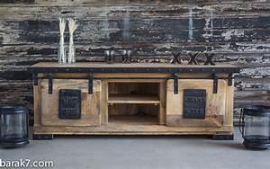 Meuble Tv Industrielle : meuble tv industriel live with character en 2019 home meuble tv industriel meuble tv ~ Nature-et-papiers.com Idées de Décoration